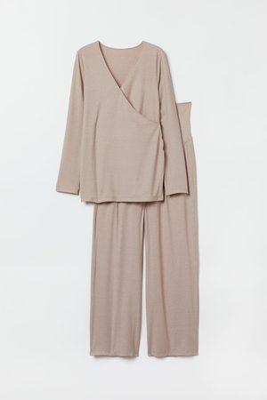 H&M MAMA Gerippter Pyjama