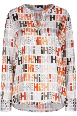 HERZENSANGELEGENHEIT Damen Blusen - Seidenbluse für Damen von in , Weiß und Grau. Das Modellzeichnet sich durch die edle Seiden-Qualität aus, während das.... Mehr Details bei Lodenfrey.com