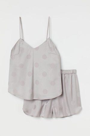 H & M Schlaftop und Shorts