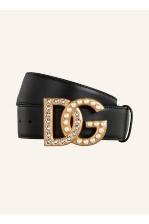 Dolce & Gabbana Glattleder. Goldfarbener Steckverschluss mit Monogramm. Perlen- und Schmucksteinbesatz. Made in Italy. - Breite: 3,5 cm