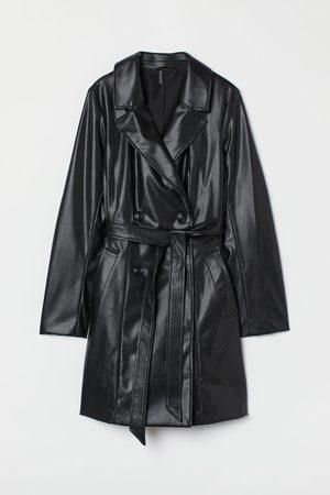 H&M Trenchcoat aus Lederimitat