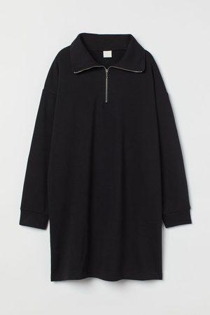 H&M Sweatkleid mit Kragen
