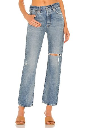 Moussy County Straight in . Size 24, 25, 26, 27, 28, 29, 30, 31.