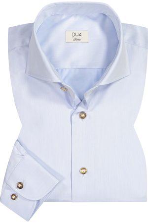 DU4 Trachtenhemd für Herren von in Hellblau. Das taillierteModell aus angenehmerBaumwolle erweist sich als stilvoller Partner fürtraditionelle Looks,.... Mehr Details bei Lodenfrey.com