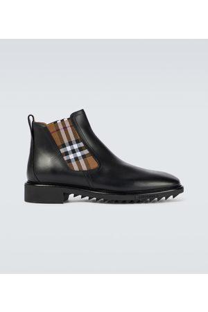 Burberry Chelsea Boots aus Leder