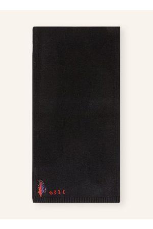 032c Glattstrick. Rippstrick an Schalenden. Logo-Stitching. Reine Wolle