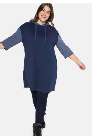 Sheego Sweatkleid mit Kapuze und Kontrastdetails