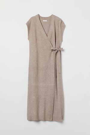 H&M MAMA Feinstrick-Wickelkleid