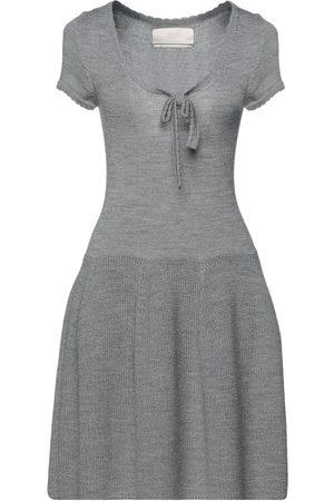 BETTY BLUE Damen Kleider - KLEIDER - Kurze Kleider